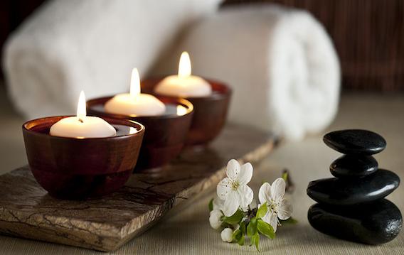 Sesión de Masaje Shiatsu y Terapia de Chakras – Paquete de 5 Sesiones